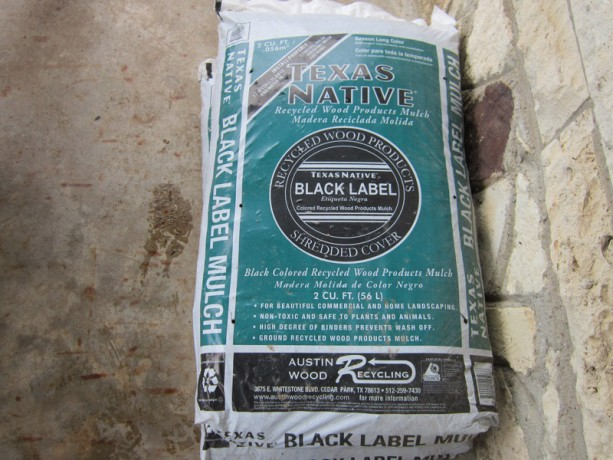 Bagged black mulch